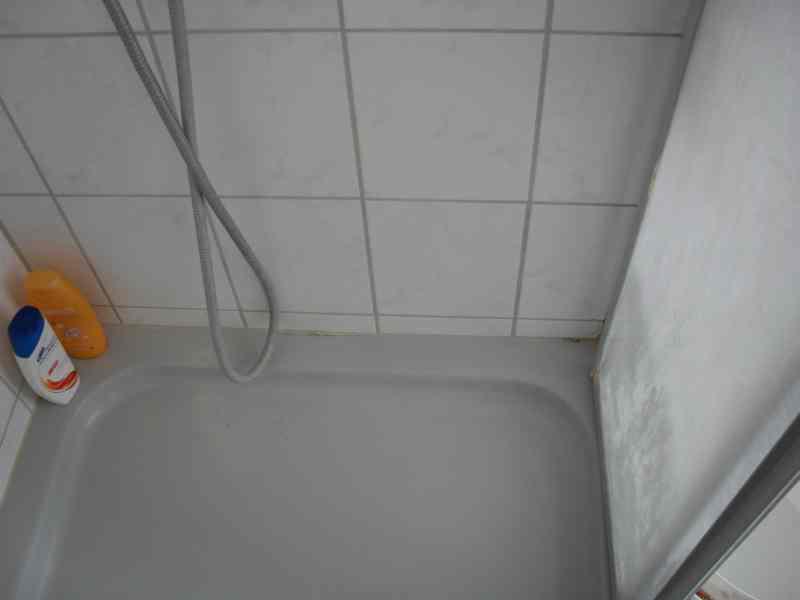 notdienst nu loch undichte silikonfuge dusche hebeanlage. Black Bedroom Furniture Sets. Home Design Ideas