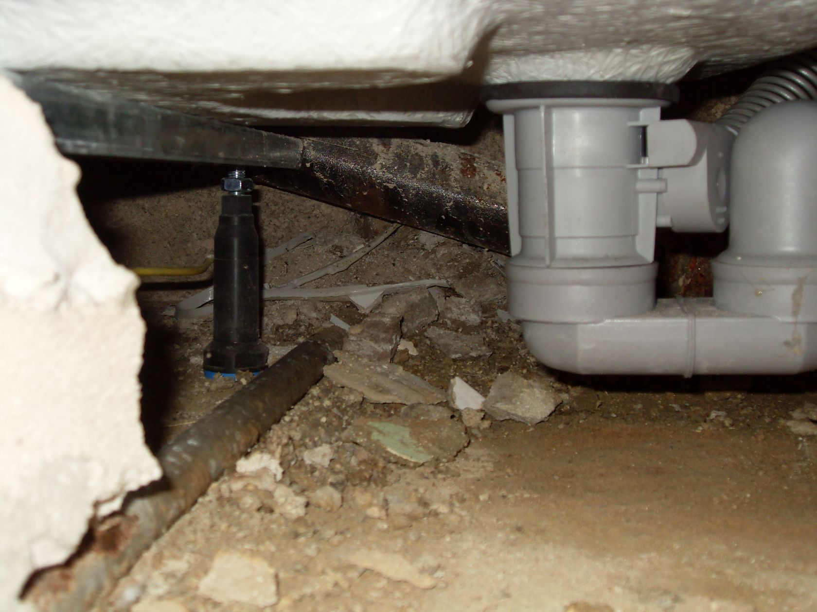 hockenheim defekte abwasserleitung an dusche zum thema. Black Bedroom Furniture Sets. Home Design Ideas